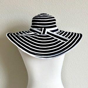 Accessories - Fashionable sun hat black and white striped